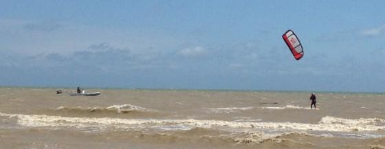 kitesurfen over het kanaal